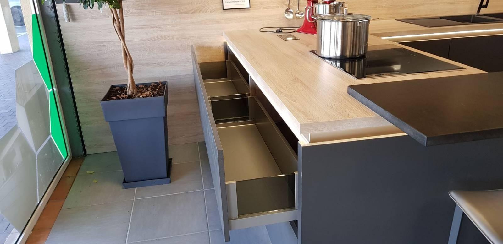 acheter une cuisine d 39 exposition pas ch re sur libourne conception de cuisines allemandes. Black Bedroom Furniture Sets. Home Design Ideas