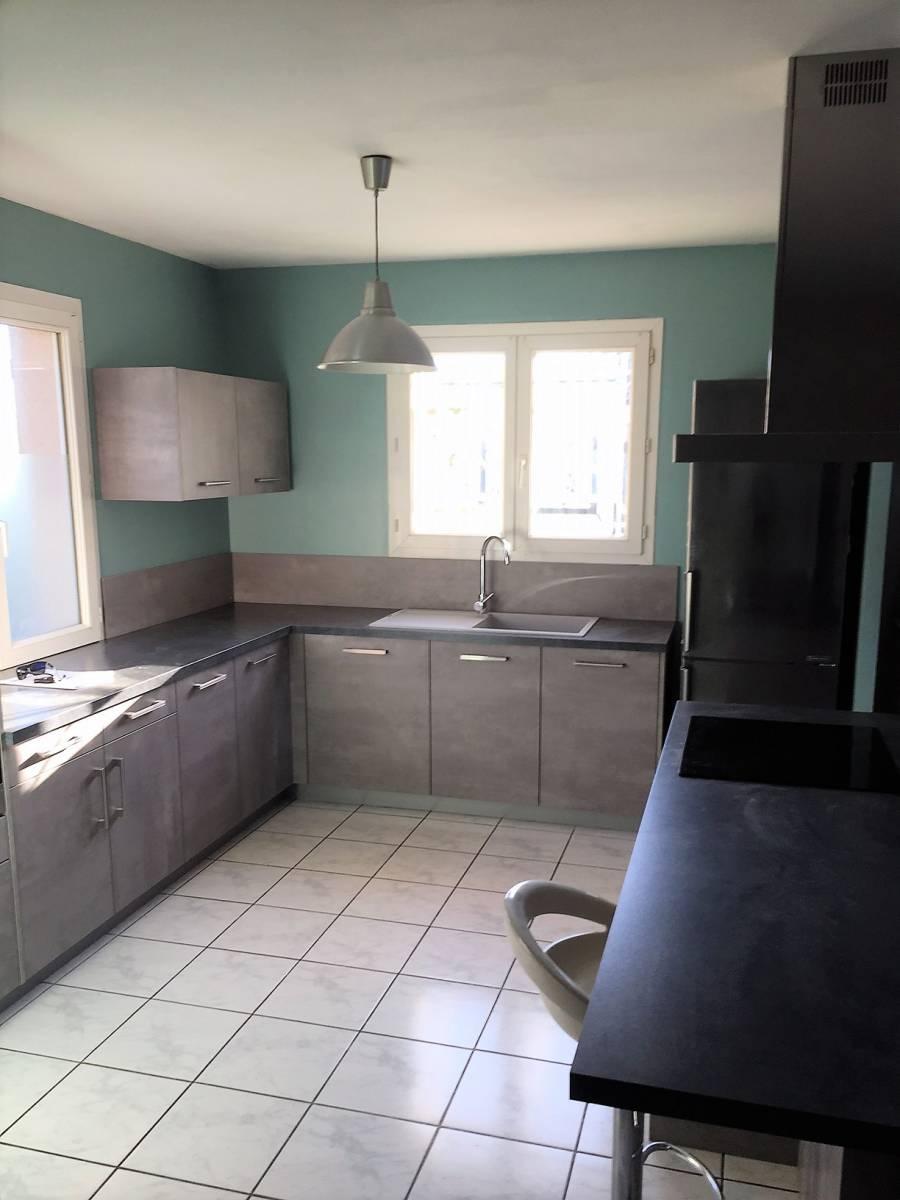 conception et pose d 39 une cuisine quip e artigues pr s. Black Bedroom Furniture Sets. Home Design Ideas